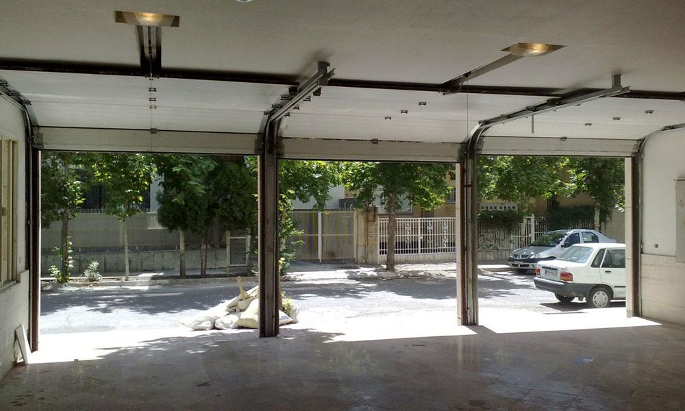 درب پارکینگ زیر سقفی