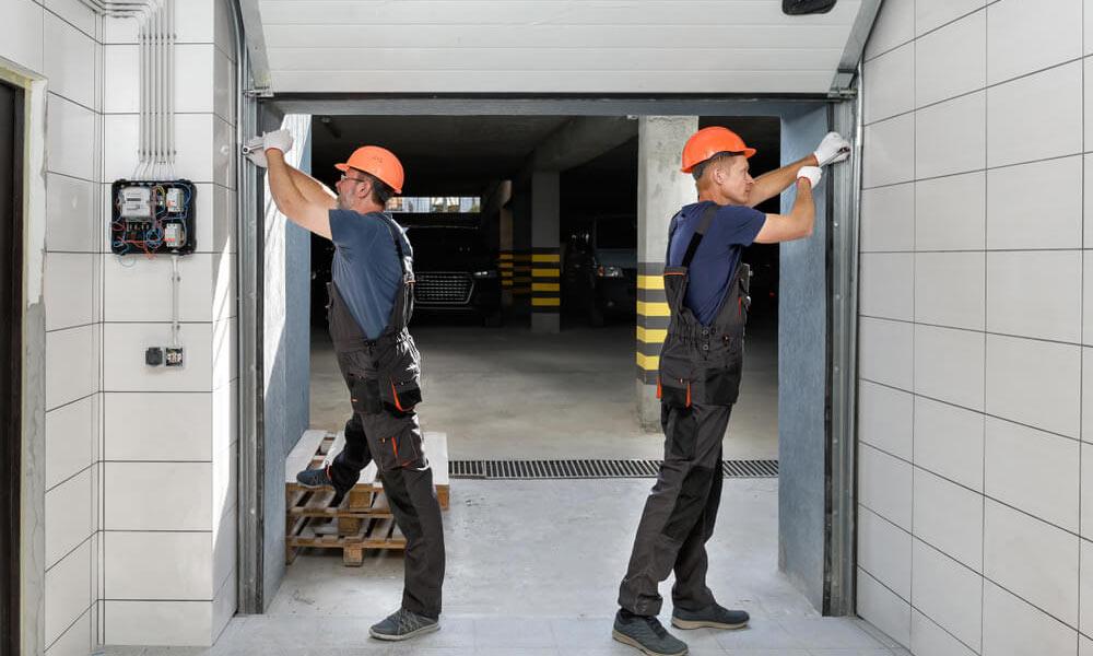 مراحل سرویس درب زیر سقفی